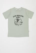 Sticky Fudge - Stop whaling tee - green