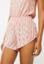 Missguided - Plisse square neck frill teddy - pink