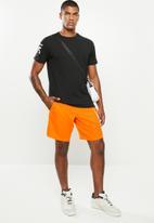Reebok - Wor woven graphic shorts - orange