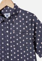 Free by Cotton On - Boys resort short sleeve shirt - daisy/vintage navy