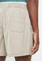 JEEP - Hardwearing rugby short - neutral