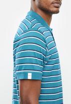 JEEP - Yarn dye stripes golfer - blue & white