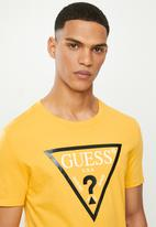 GUESS - Short sleeve guess core triangle tee - yellow