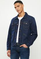 Wrangler - Denim regular fit jacket - dark wash