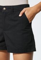 Superbalist - Chino shorts - black