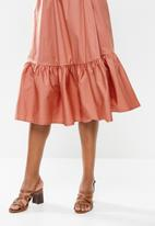 edit - Poplin belted midi dress - desert rose