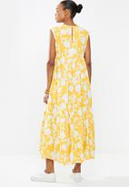 edit - Sleevless v-neck tiered midi dress - ochre floral