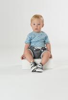 UP Baby - Baby boys bodysuit & sweat shorts set - blue