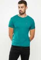 SOVIET - Bolt s20 short sleeve muscle fit T-shirt - light teal