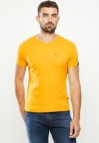 SOVIET - Bolt s20 short sleeve muscle fit T-shirt - mustard