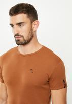 SOVIET - Bolt s20 short sleeve muscle fit T-shirt - burnt brick