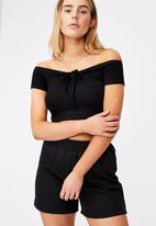 Factorie - Rib key hole front top - black