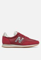 New Balance  - 720 classic racer - red