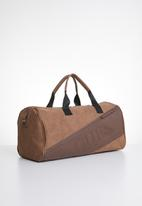 GUESS - Motorsport small duffel - brown