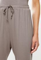 Superbalist - Sleep vest & drop crotch pants set - mocca