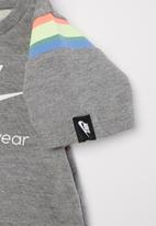 Nike - Nike girls heritage dress - grey