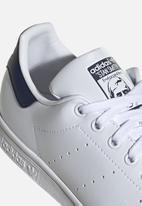 adidas Originals - Stan Smith - white / collegiate navy