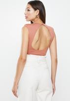 VELVET - Muscle open back bodysuit - rose