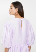 VELVET - Voluminous tuck style midi dress - lavender fog