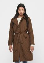 Jacqueline de Yong - Tora long quilt trenchcoat - brown