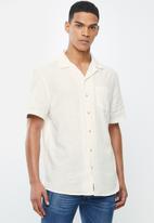 Cotton On - Textured short sleeve shirt - white