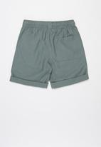 Free by Cotton On - Free boys hunter short - green