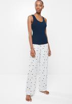 Superbalist - Sleep vest & pants sets - multi