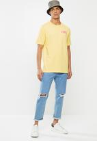 Levi's® - Short sleeve relaxed fit tee - yellow