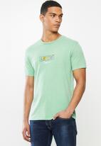 Levi's® - Boxtab graphic tee - green