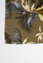 Superbalist - Leaf print neckerchief - green