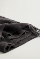 MANGO - Scarf sweet - black