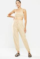 Missguided - Coord jogger & bralet set - tan