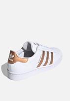 adidas Originals - Superstar w - ftwr white/copper met./core black