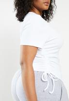Blake - Ruched cropped tee - white