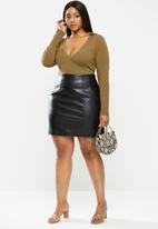 Glamorous - Plus size pu mini skirt - black