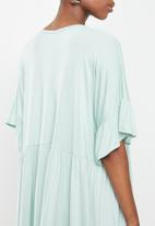 Missguided - Maternity frill smock dress - blue