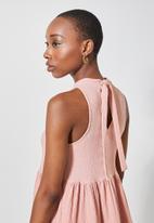 Superbalist - Sleeveless textured knit volume dress - pale rose