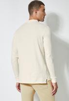 Superbalist - High neck pocket tee - off white
