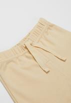POP CANDY - Girls elastic waist shorts - yellow