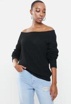 Missguided - Ophelita off shoulder jumper - black