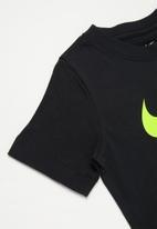 Nike - B nsw tee jdi swoosh - black