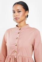 Missguided - Petite tie cuff shirt dress horn button - blush