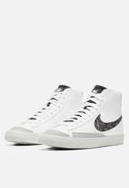 Nike - Nike blazer mid '77 vintage - white/white-lt smoke grey-bright crimson