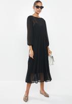 MILLA - Dobby voluminous midi dress with drawstring - black