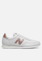 New Balance  - 720 - white