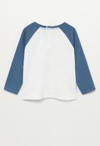 MANGO - Didac raglan tee - white & blue