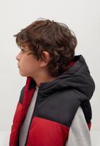 MANGO - Sleeveless puffer jacket - red