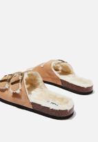 Cotton On - Rex faux fur double buckle slide - tan & cream