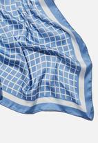 Rubi - Versatile scarf - mindy micro check silver blue