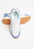 Sissy Boy - Styled to  go sneaker - white & blue